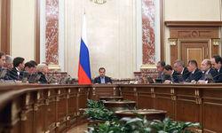 Накопительные пенсии вновь заморозят в России