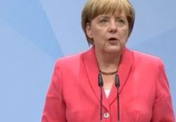 Меркель пригласила Порошенко в гости 20 мая
