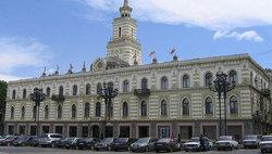 Депутаты от оппозиции покинули парламент в знак протеста