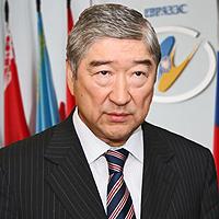 Генсек ЕврАзЭС Таир Мансуров получил медаль