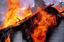 На Волыни мальчик вынес из горящего дома сестру