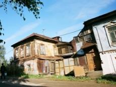 Почему в Астане не сносят ветхое жилье?