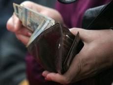Какова средняя зарплата беларусов за последний год?