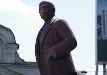Коммунисты отстояли памятник Ленину