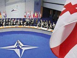Грузины поддерживают Саакашвили и хотят в НАТО – опрос