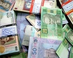 Курс гривны упал к евро, фунту и канадскому доллару