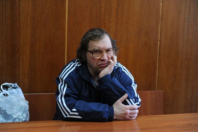 сбежал из больницы имени Боткина около пяти часов дня 21 марта.  Сергей Мавроди.  Только что прочитал в СМИ, что.