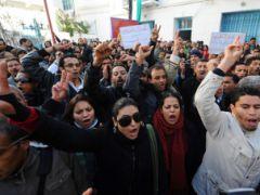 В какое время будет действовать комендантский час в Тунисе?