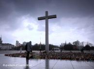 Почему происходят столкновения в Варшаве из-за креста Качинскому?