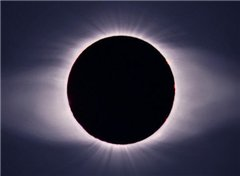Какие затмения можно будет увидеть с Земли в 2011 году?