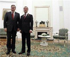 Медведев и Коморовски обсудили заключение МАК