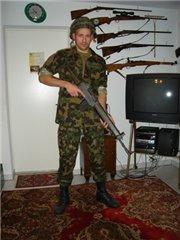 Зачем швейцарцам оружие дома?