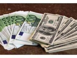 Курс евро на Forex снижается во второй половине дня к доллару