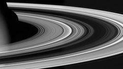 Ученые пытаются создать вокруг Земли кольца Сатурна