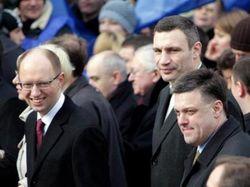 Лидеры оппозиции прибыли на Майдан Незалежности в Киеве