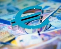 Курс евро на Forex корректируется к доллару