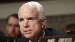 Сенатор Маккейн мужественно борется со смертельной болезнью