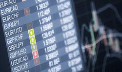 Курс доллара корректировался к евро на Forex после выступления чиновников ФРС