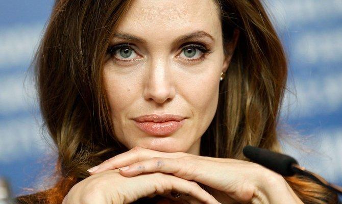 Анджелина Джоли больше не будет сниматься в кино анджелина джоли кинопоиск