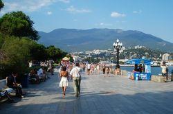 Власти Крыма рассчитывают восстановить туризм за счет граждан Украины и ЕС