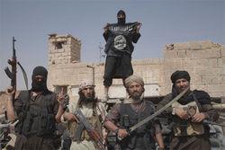 Минобороны РФ уверяет в отступлении боевиков ИГ в Сирии
