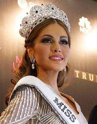 СМИ: Мисс Вселенная-2013 из Венесуэлы – фальшивка от пластических хирургов