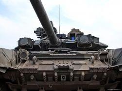 В РФ у границы с Украиной обнаружены танки с украинскими знаками
