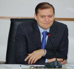 Политсовет Партии регионов может отозвать Добкина с президентских выборов