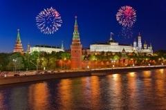 Сегодня главный официальный праздник РФ – День России
