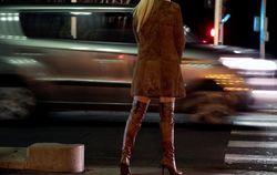 Во Франции будут штрафовать за секс с проститутками – закон