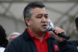 Автор Конституции Кыргызстана обвиняется в мародерстве