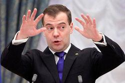 Немцов: Медведеву не стоит грозить, РФ не сможет ответить на санкции