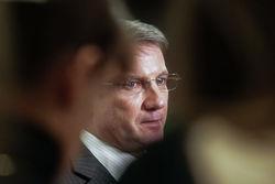 "Президент ""Сбербанка"" признал мощный удар от санкций"