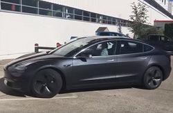 Озвучены характеристики Tesla Model 3