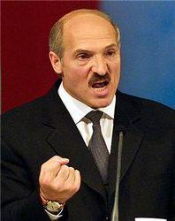 Увольнениями топ-чиновников Беларуси Лукашенко начал предвыборную кампанию