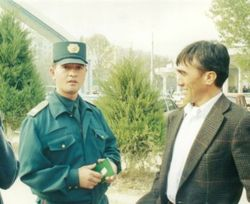 Узбекистан: военные проверяют документы у жителей под видом военных учений