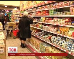 Украинцы стали меньше покупать российские продукты в магазинах
