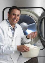 Британские ученые придумали стиральную машину, которой не нужны вода и порошок