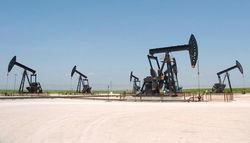 Цены на нефть торгуются в глубокой коррекции - трейдеры