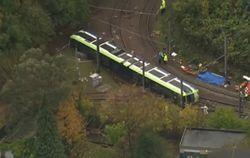 В Лондоне перевернулся трамвай - есть погибшие