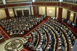 Парламент Казахстана ввел уголовную ответственность за финансовые пирамиды