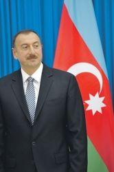 Брюссель зовет Азербайджан в ЕС, Москва – в ЕАЭС. Баку оценивает