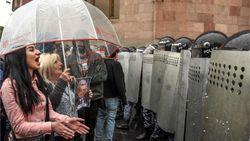 В Армении силовики начали рагонять протестующих