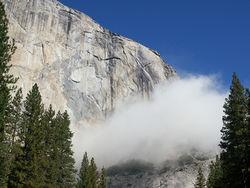 Скала Эль-Капитан в Йосемити