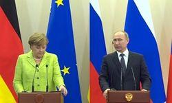 Миротворцы на Донбассе: в чем Меркель смогла убедить Путина