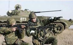 Депутат заявил о массовой переброске российских войск в Крым