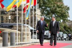 Мир придет в Украину, когда страна станет сильной – Порошенко