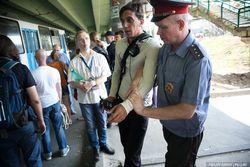Полиция не дала российским активистам посмотреть на дачи чиновников