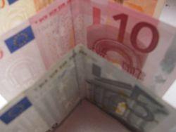 Курс доллара США к евро на Форекс продолжил снижение на фоне слабых данных по платежному балансу