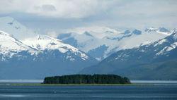Тысячи человек голосуют за присоединение Аляски к России